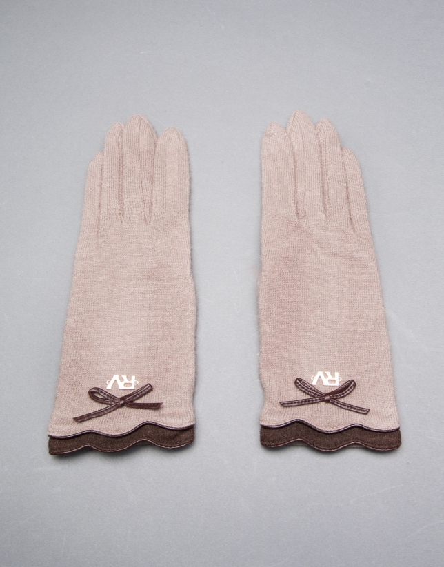 Knit gloves with trimming and brown leather bow