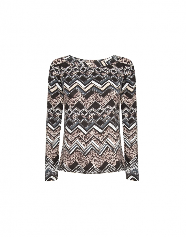 Brown zigzag print top with bat sleeves