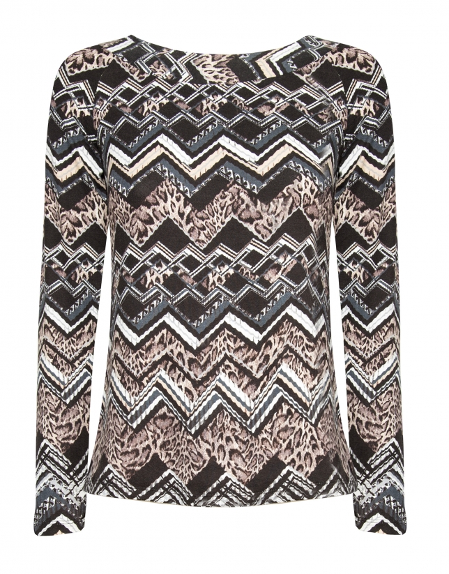 Brown zigzag print top with bat sleeves