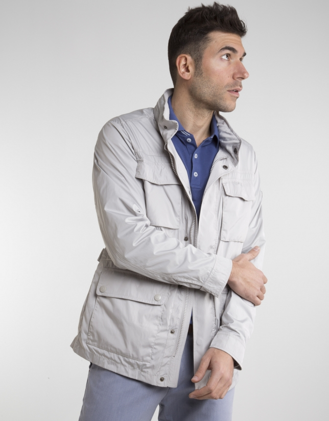 Beige parka with four pockets