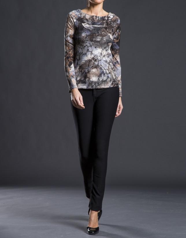 T-shirt gris à motifs floraux