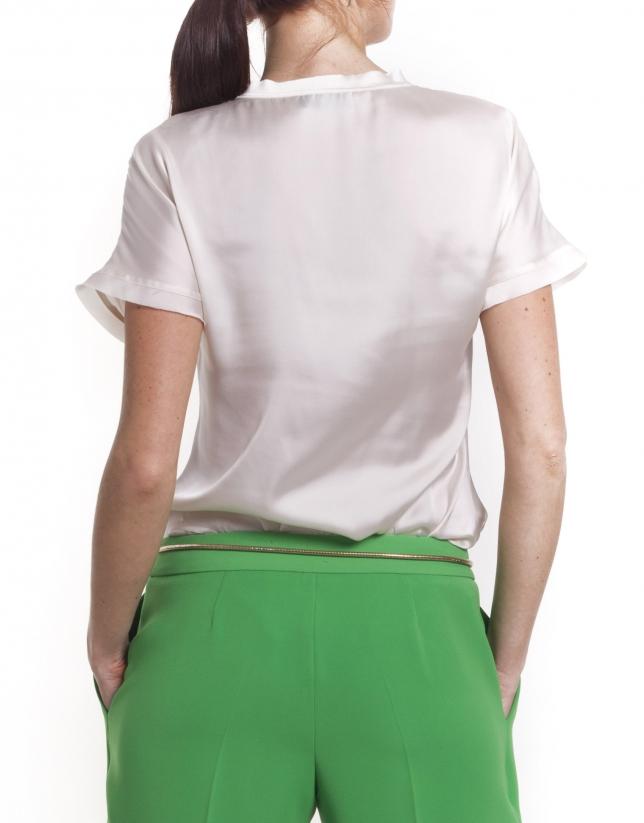 Camisa manga corta y cuello redondo