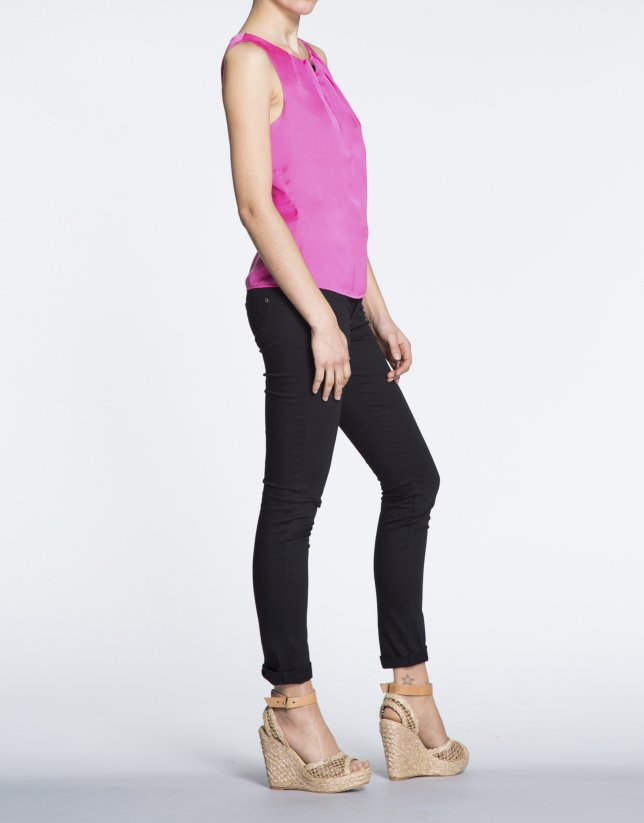 Fuchsia top with front pleat and opening