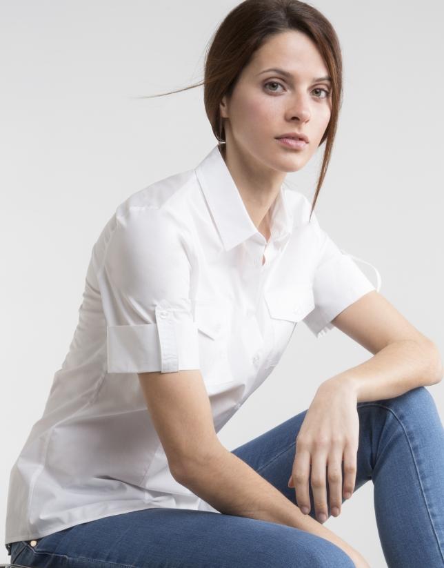 Chemisier blanc à manches courtes