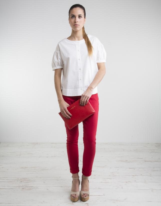 Camisa color crudo cuello redondo