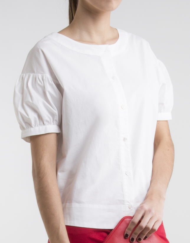 Off-white shirt with round collar
