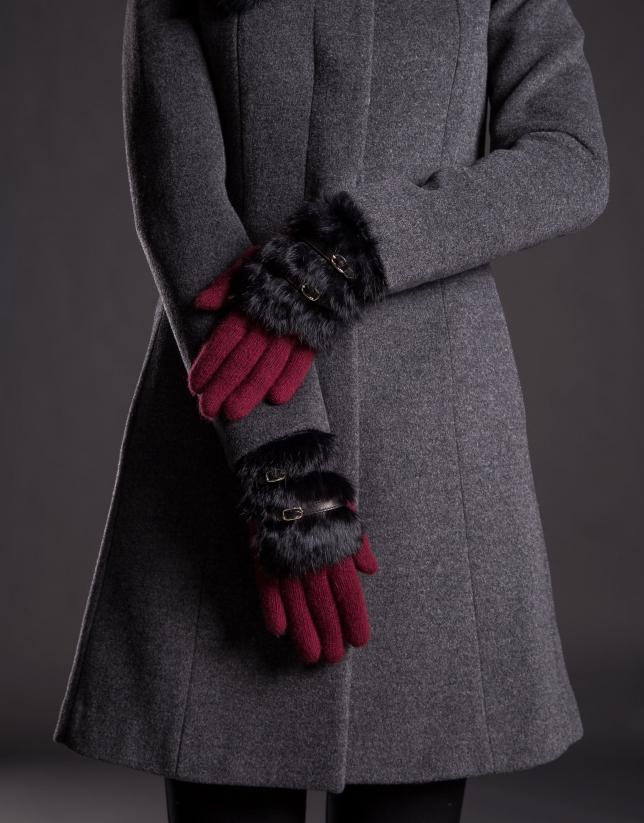 Gant tricot bordeaux avec fourrure lapin noire