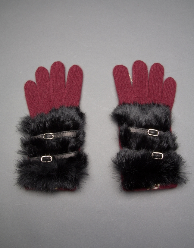 Burgundy knit gloves with black rabbit fur