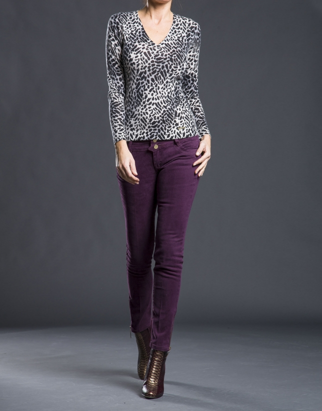 Fine jersey with animal print