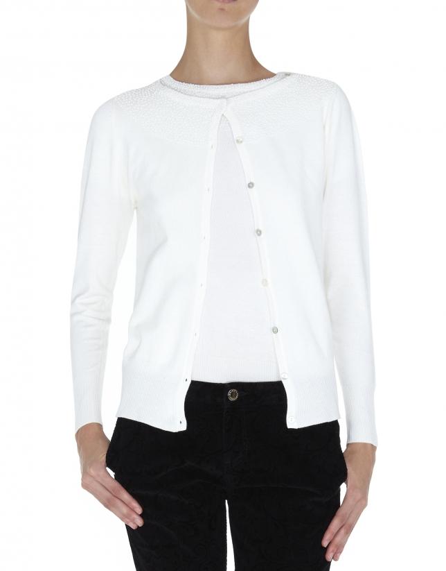 Chaqueta blanca para twin set de punto con aplicaciones de perlas en cuello