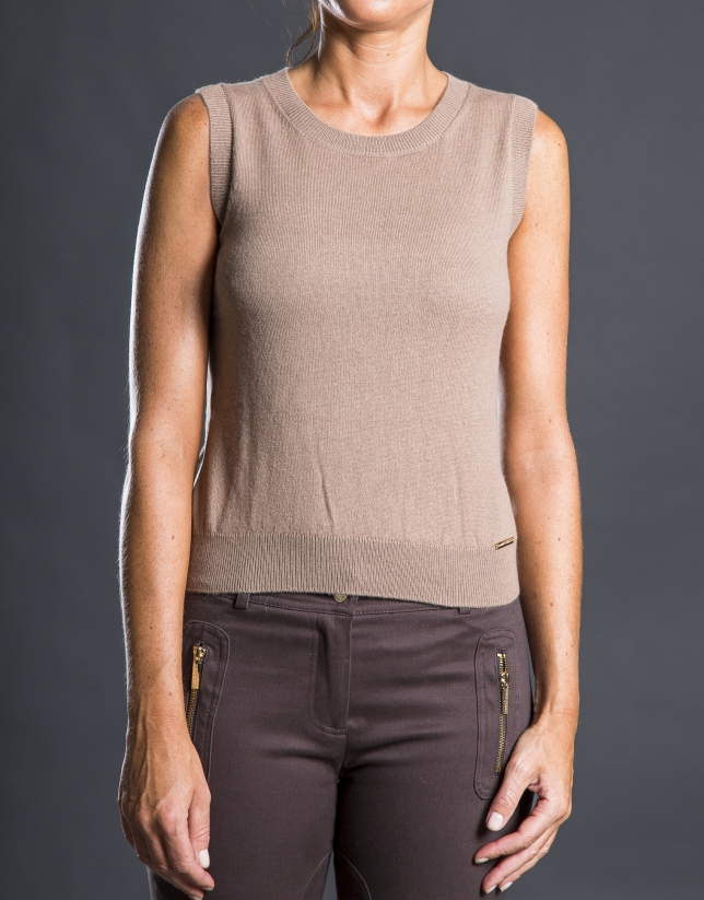 Fine knit beige top