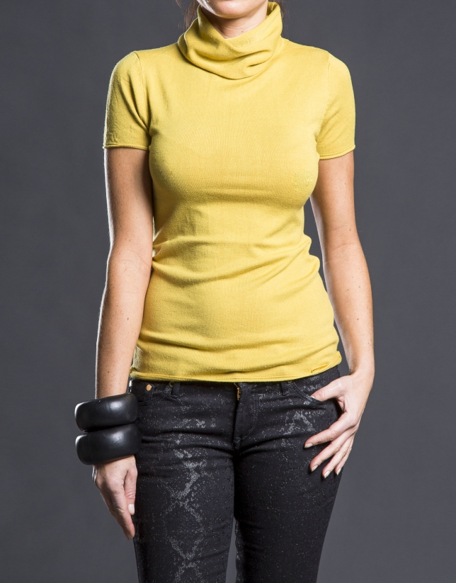 Short sleeved mustard sweater