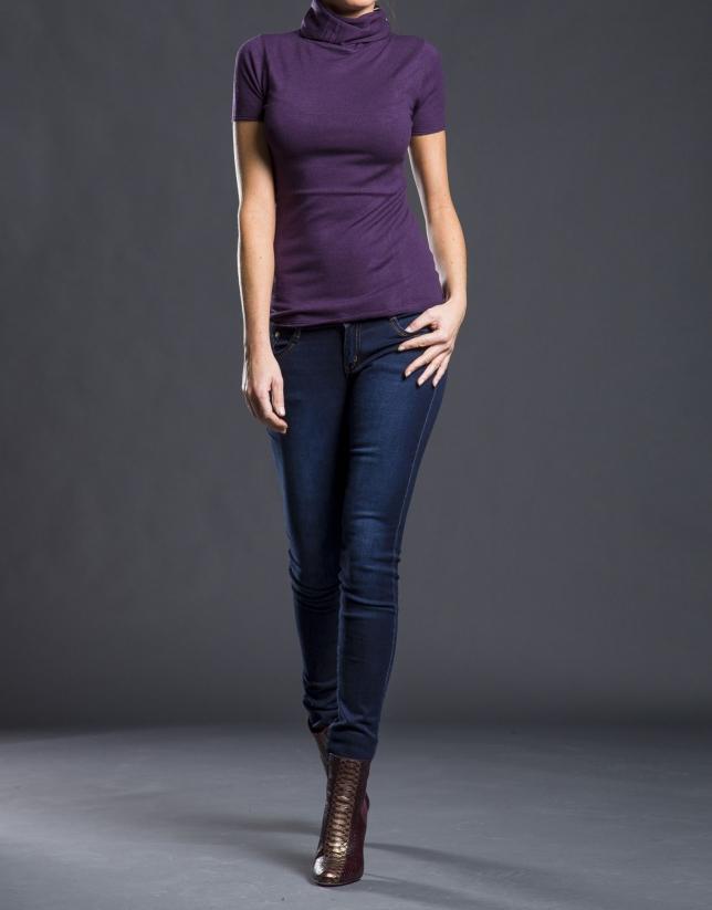 Short-sleeved Aubergine sweater
