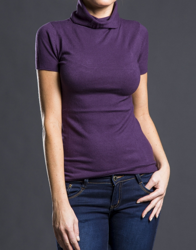 Short-sleeved Aubergine sweater
