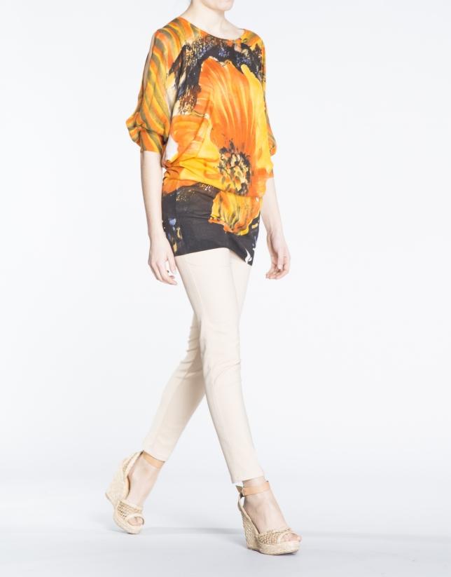 Pull long, manches chauves-souris, motif floral.