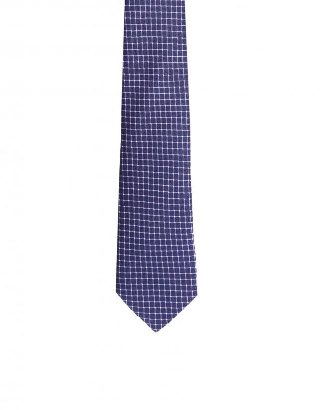 Diamond print necktie
