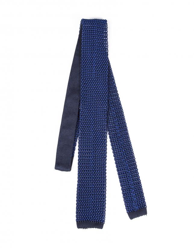 Cravate en tricot bleue