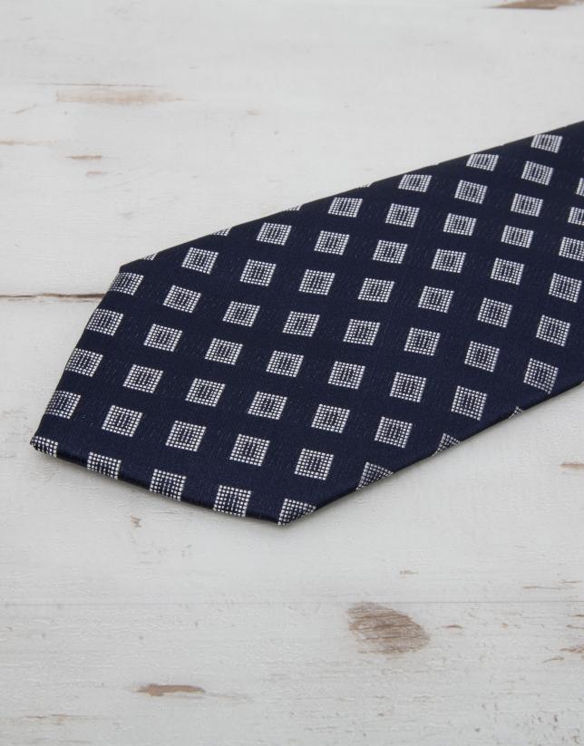 Cravate à losanges écrus