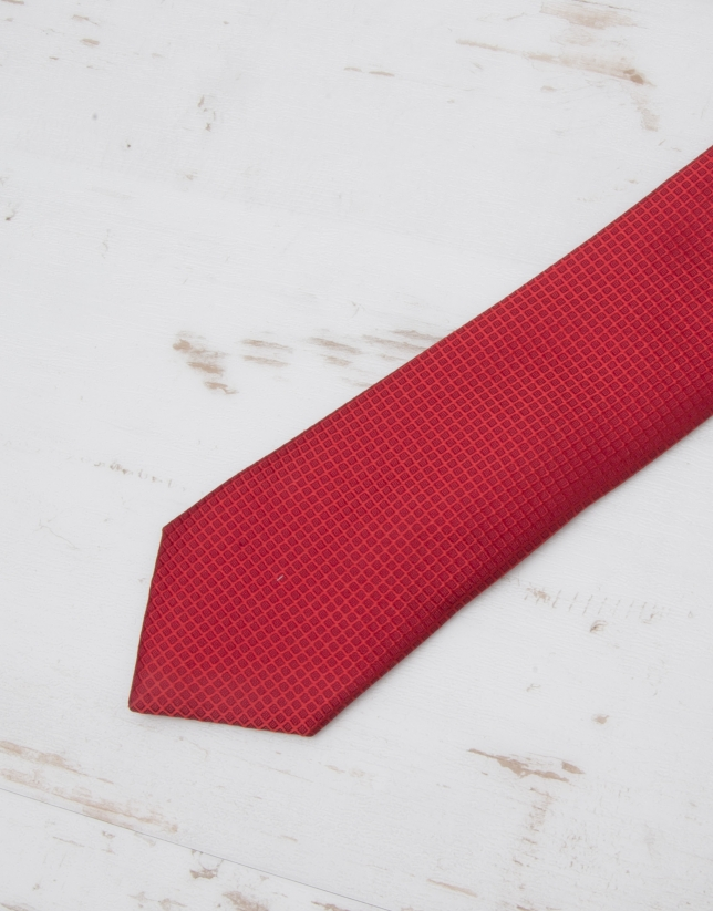 Corbata estructura roja