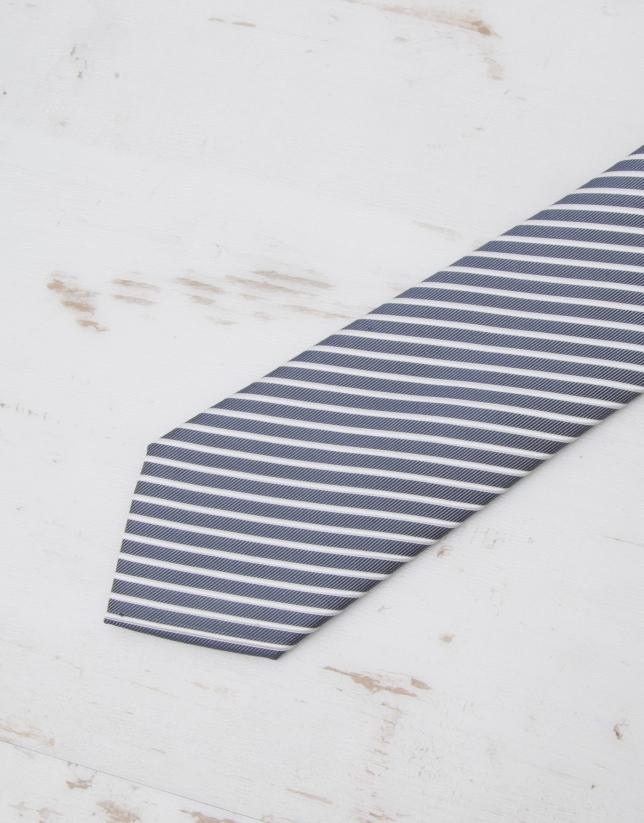 Cravate à rayures en écru
