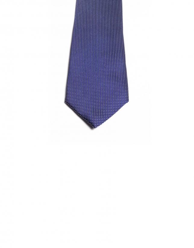 Cravate à quadrillage fin