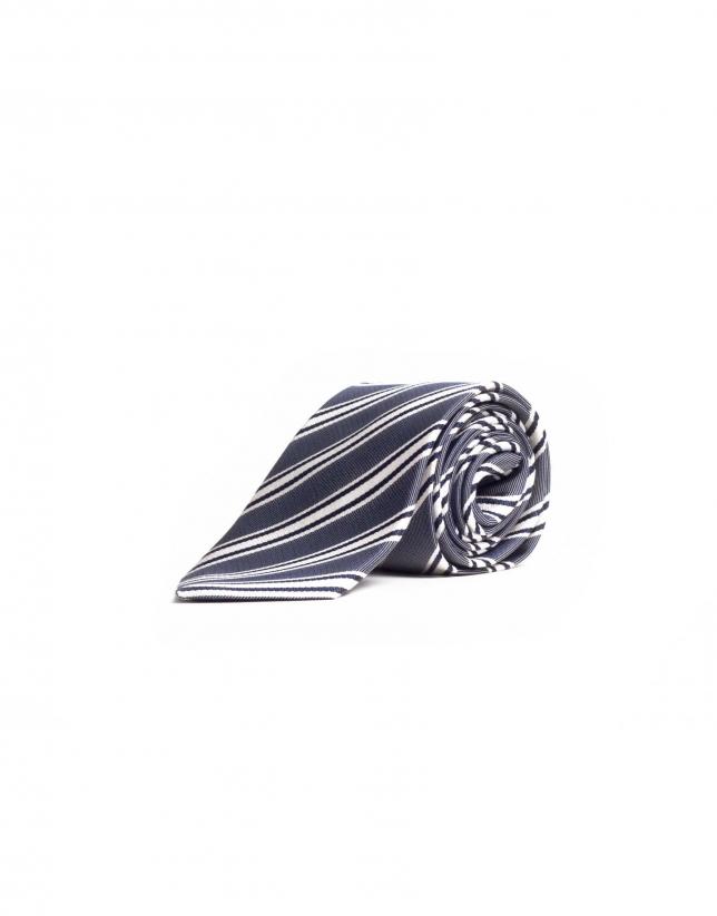 Multi-striped tie