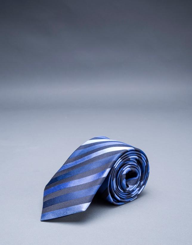 Corbata rayas al bies azul