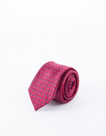 Cravate à motifs rouges et bleus