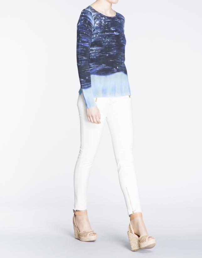 Jersey manga larga estampado a mano en azules