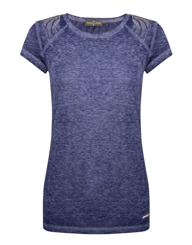 Washed cotton blue top with short raglan sleeves and rhinestones on shoulders