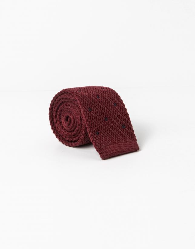 Cravate à pois gris sur fond rouge