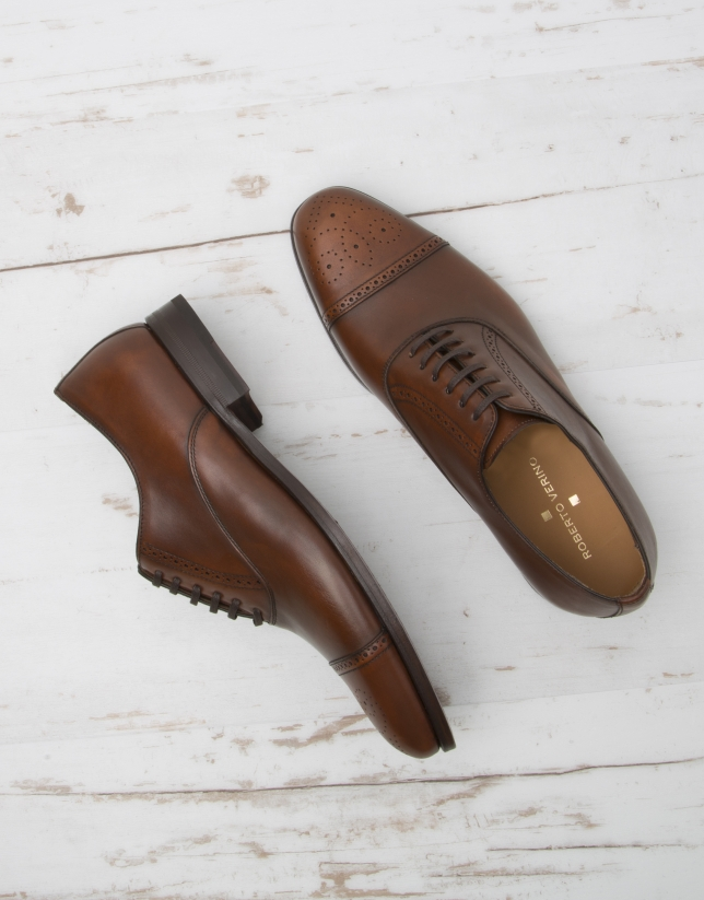 Brown Oxford shoes