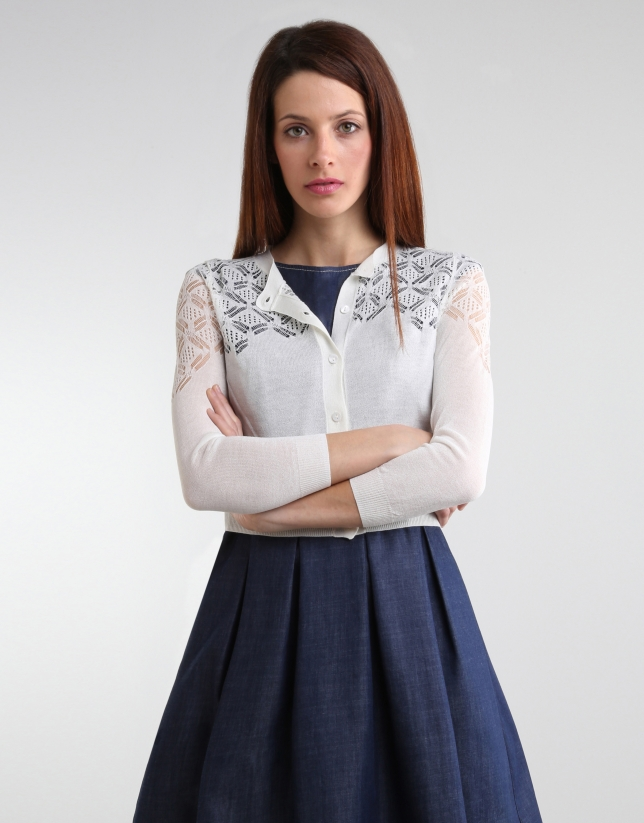 Short off-white jacket with fantasy
