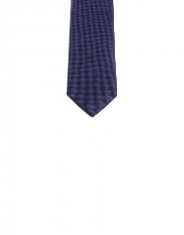 Plain tie