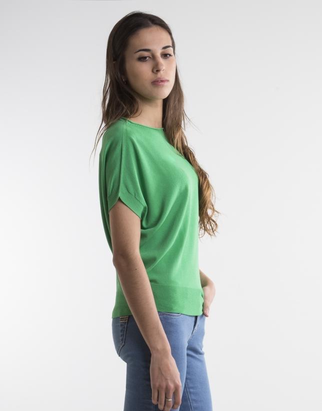 Green loose sweater