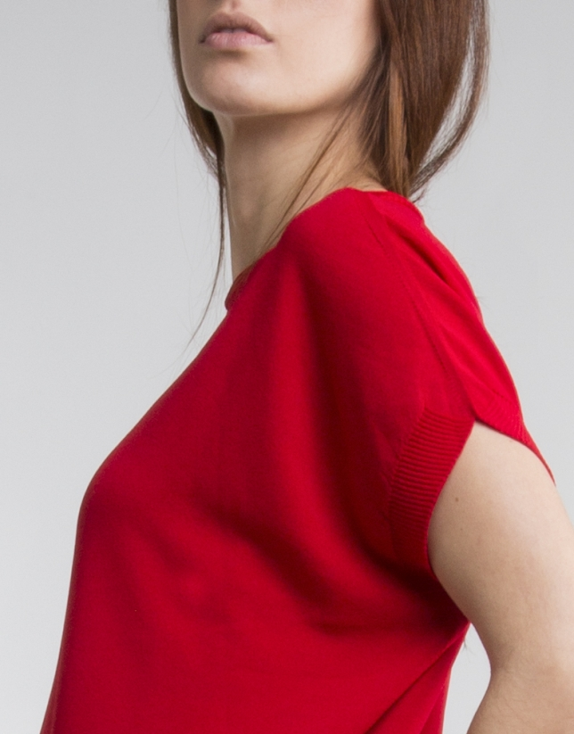 Pull fluide rouge