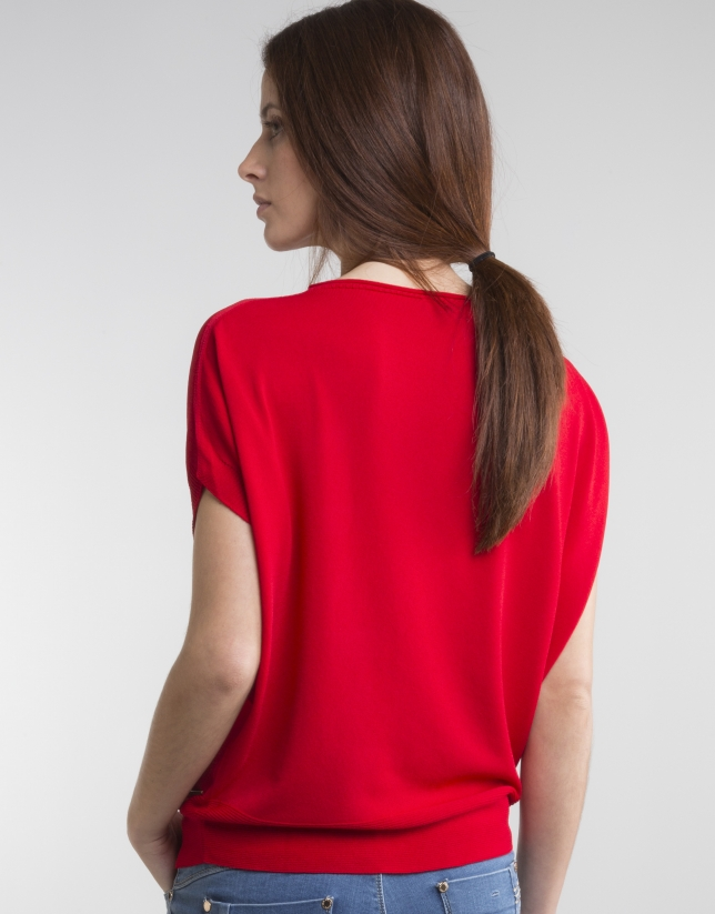 Red loose sweater
