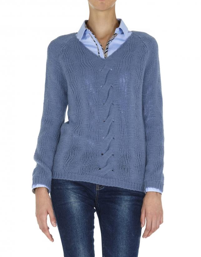 Jersey azul cuello pico punto calado y línea de ochos en delantero