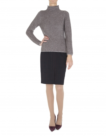 Pull beige, col montant