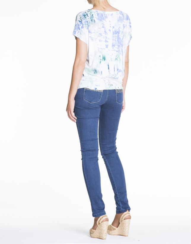 Camiseta floja estampado manchas turquesa y azul