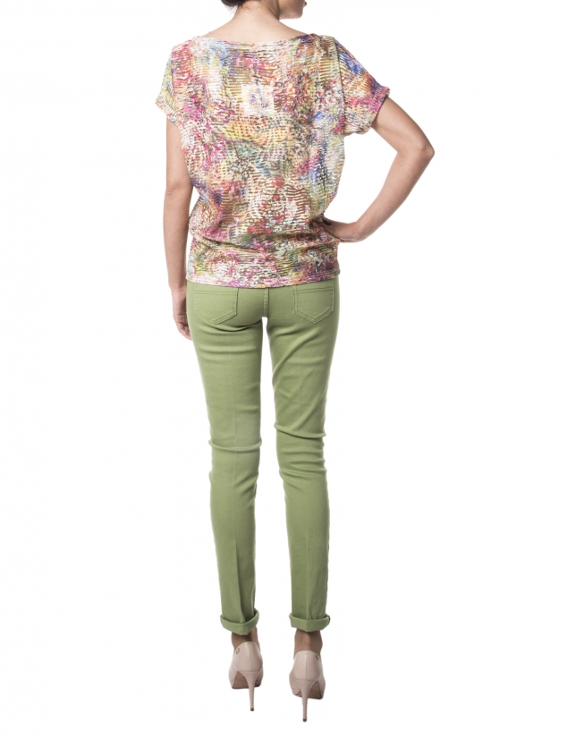 Red floral print t-shirt