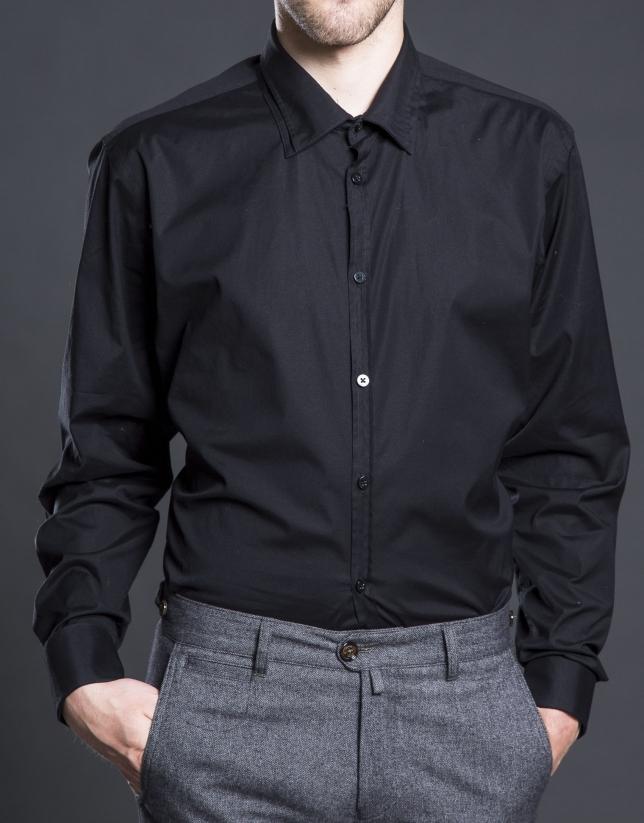 Camisa vestir lisa negra