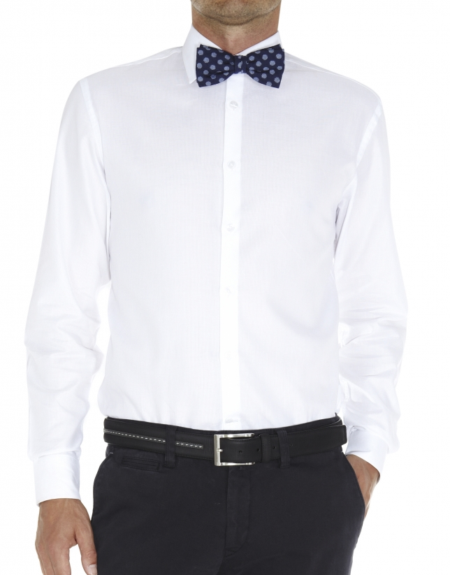 Micro-structured dressy shirt
