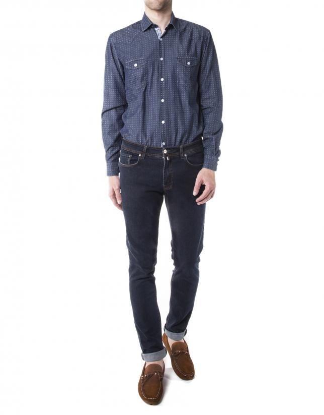 Chemise en jean à motifs bleue.