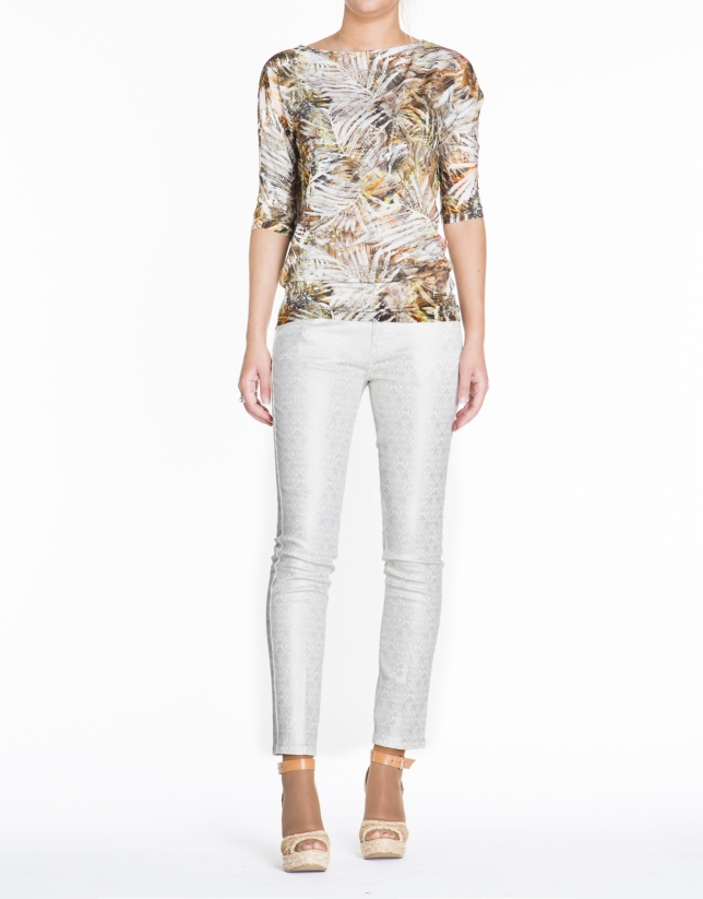 Leaf print top with three-quarter sleeves