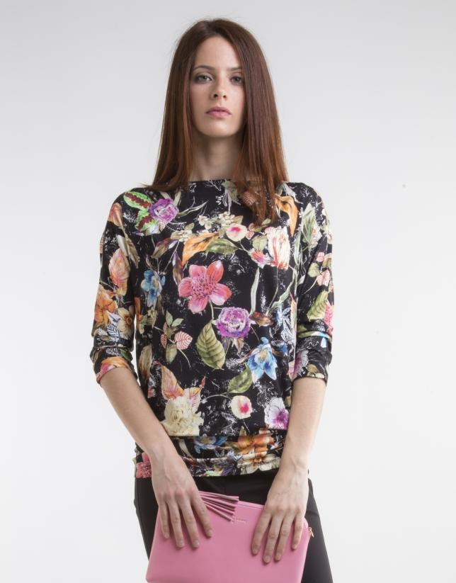 T-shirt imprimé de fleurs noires