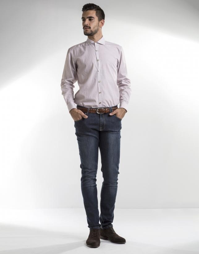White sport shirt with burgundy motifs