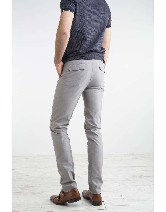 Pantalón sport estructura gris