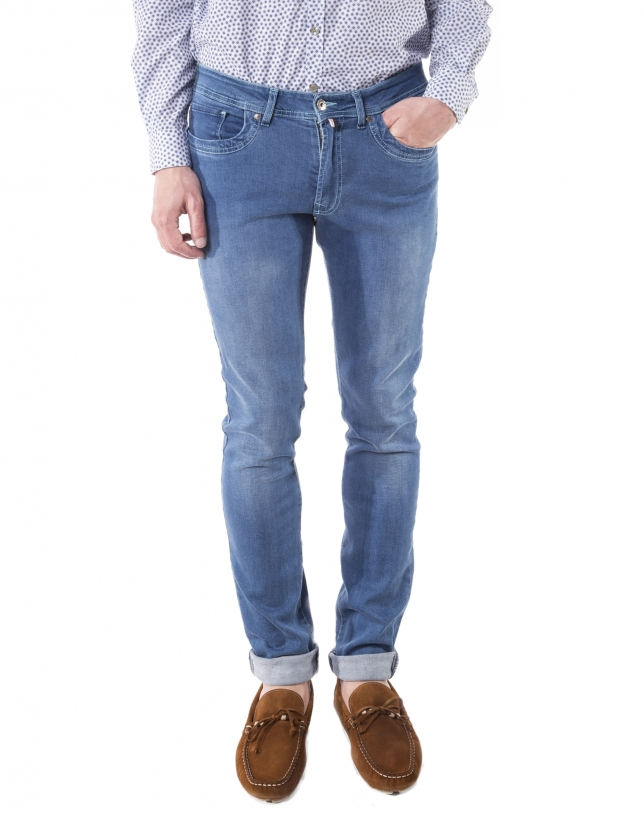 Blue pre-washed jeans
