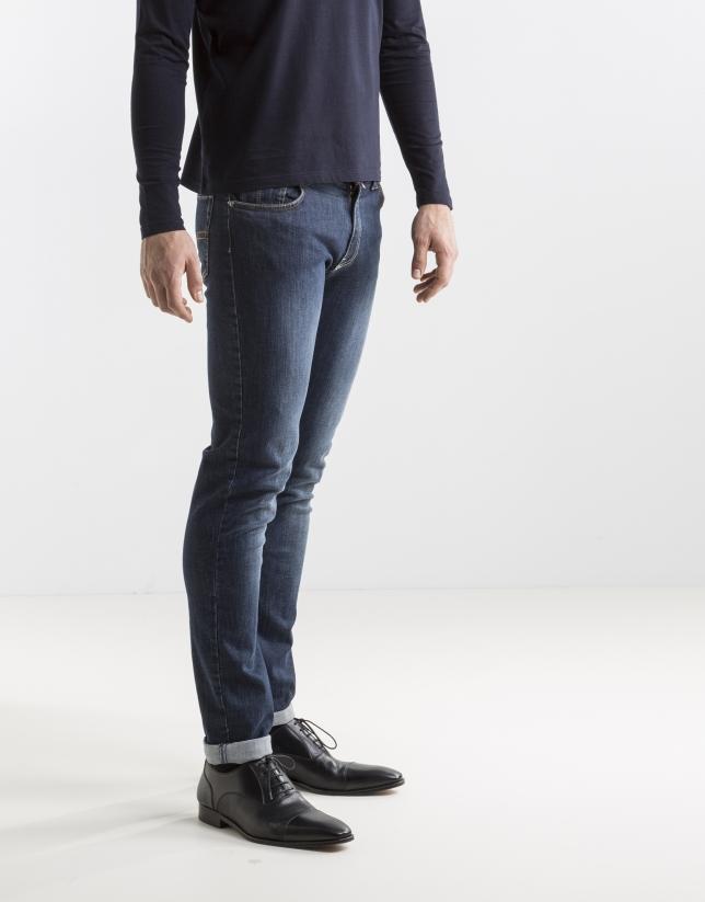 Blue jeans slim fit